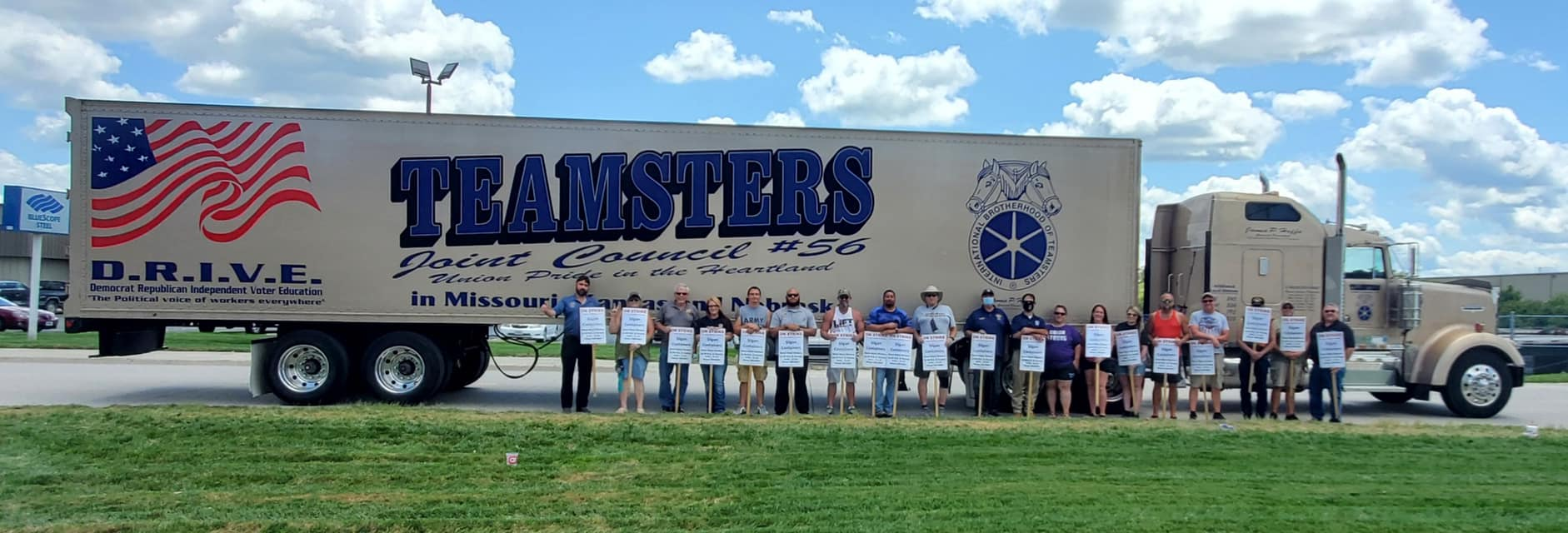 Union Members Support Striking Workers